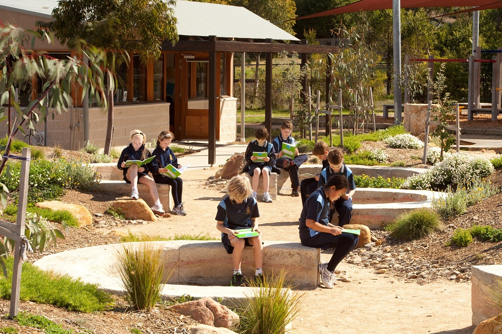 Macartans PS Outdoor Learning Environment