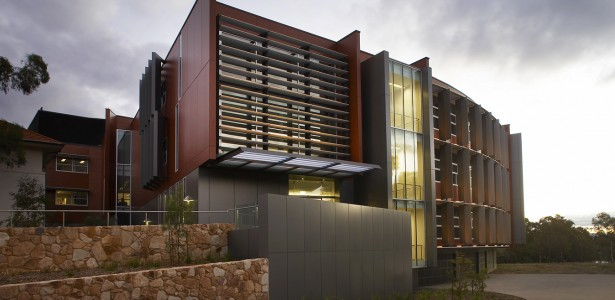 Crawford building and gj yeend wing learning for Architecture firms canberra